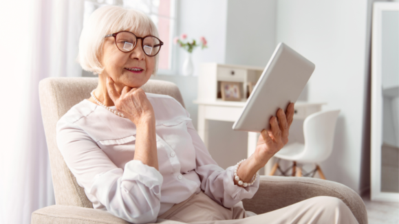 How to Decorate an Assisted Living Apartment
